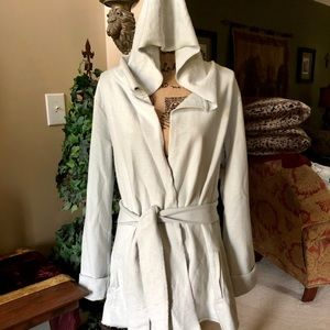 LUCKY BRAND 🍀 Tie front hoodie size Large